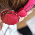 Why Should You Go For a Pair of Noise Cancelling Headphones?