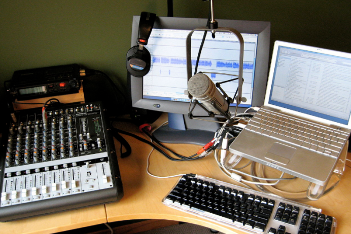 The Best USB Mixer For Podcasting